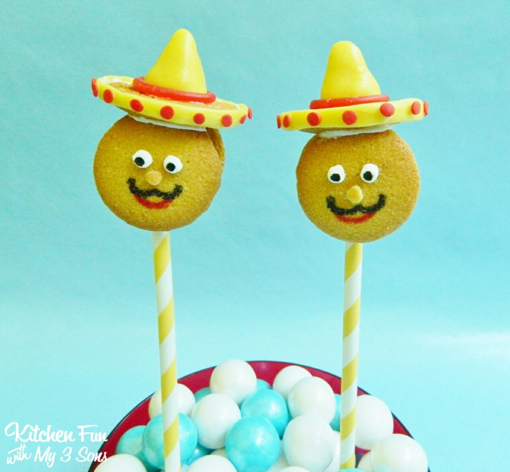 These will take you about 15 minutes to make & such a fun treat to make the kids to celebrate Cinco de Mayo