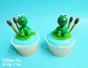 Easy Frog Lily Pad Cupcakes