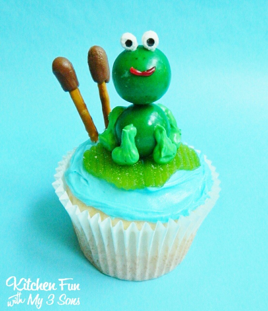 Easy Frog Lily Pad Cupcakes Close Up