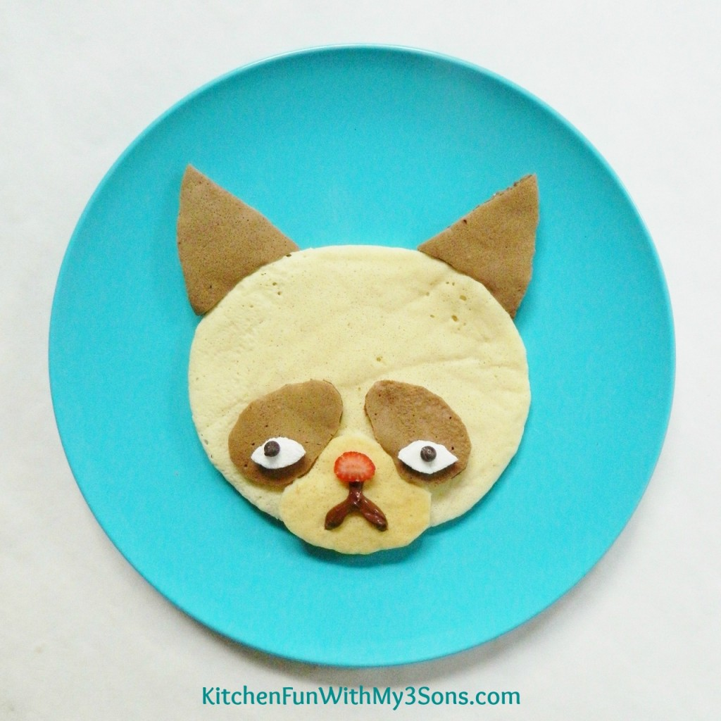 Grumpy Cat Pancakes for Breakfast