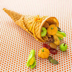 Thanksgiving Cornucopia Cone