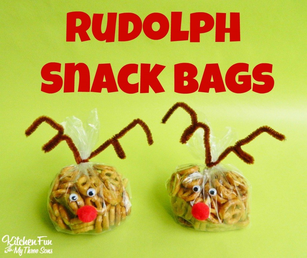 Reindeer Snack Bags filled with pretzels