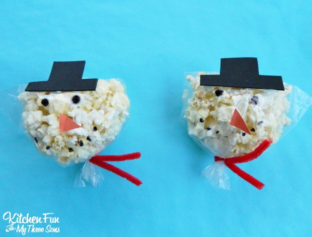 Snowman Snack Bags for Christmas Class Parties at School