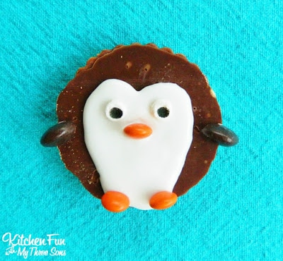 Easy Penguin Cookies from KitchenFunWithMy3Sons.com