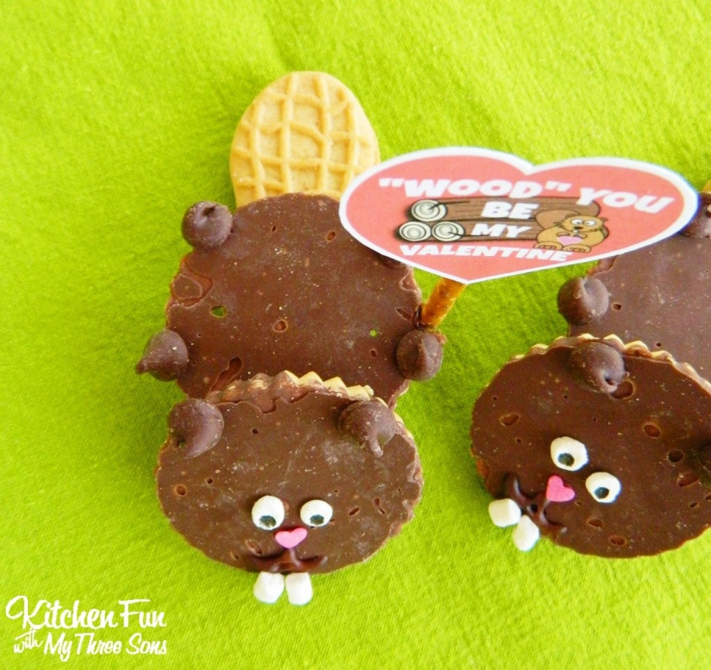 """Valentine Beaver Cookies with a """"Wood"""" You Be My Valentine"""" FREE Printable! KitchenFunWithMy3Sons.com"""