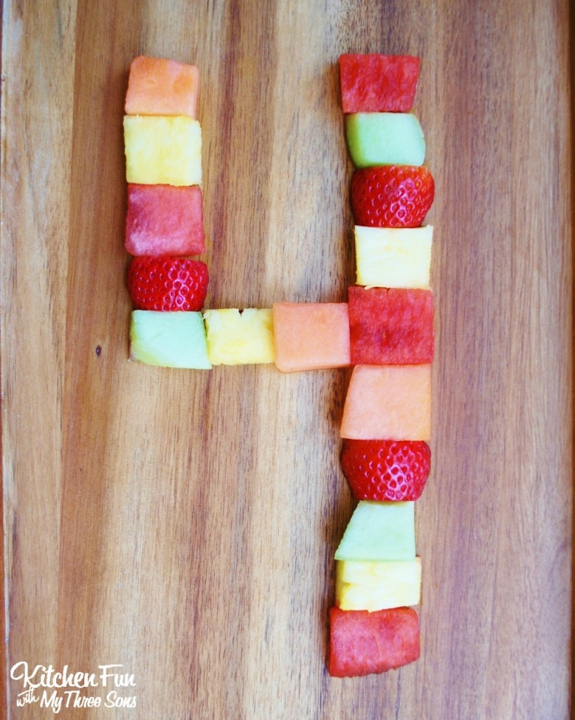 Making numbers using fruit...great for birthdays and parties!