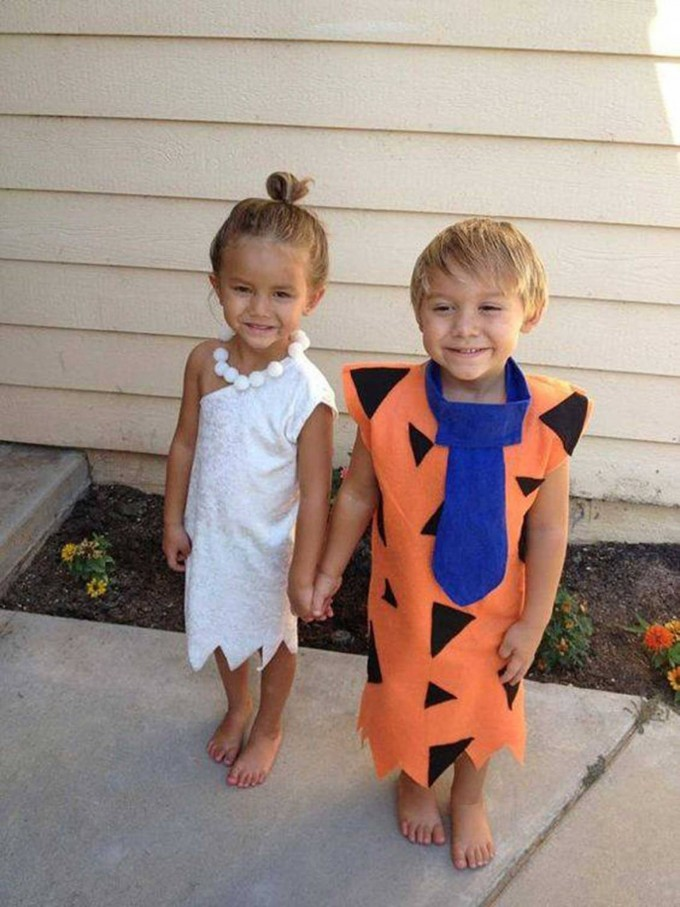 Fred & Wilma Costumes....these are the BEST Homemade Halloween Costume Ideas for Kids!