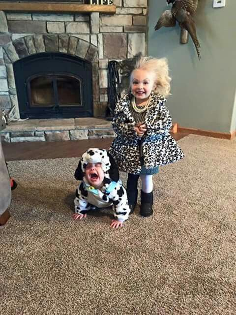 101 Dalmatian Costumes...these are the BEST DIY Homemade Halloween Costume Ideas for Kids!