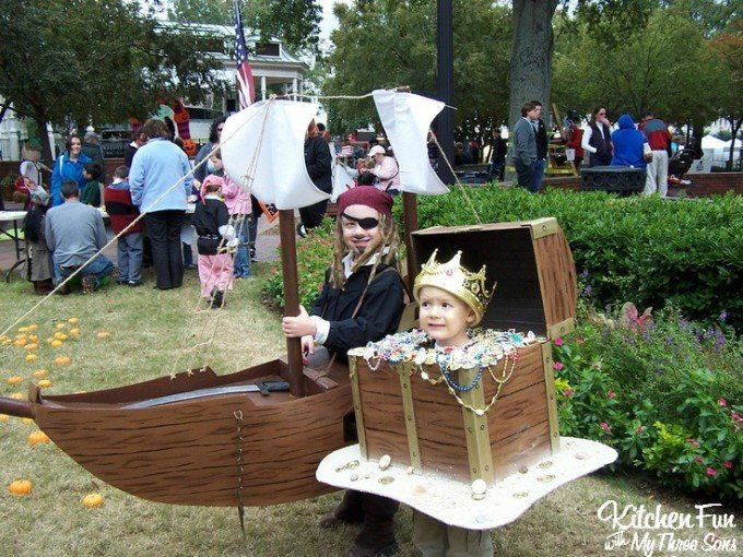 Kids Pirate Ship & Treasure Chest Costume for Halloween made from Boxes!