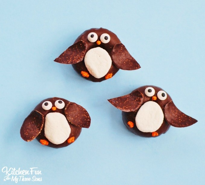 Easy Christmas Penguin Mini Donuts from KitchenFunWithMy3Sons.com