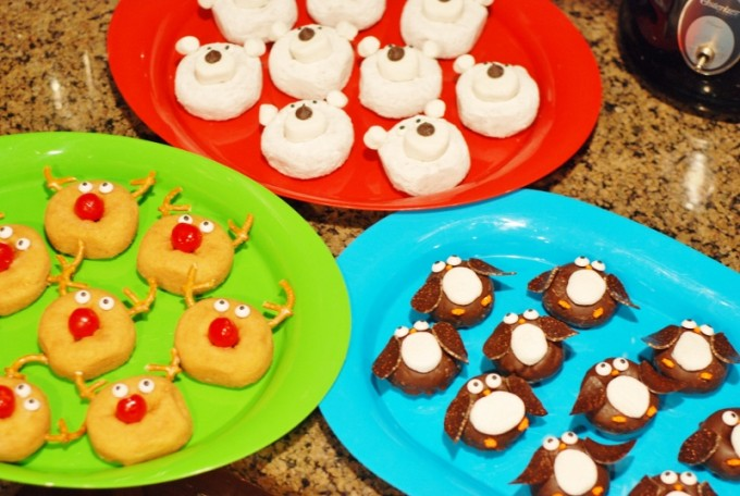 Easy Christmas Donuts for Kids!