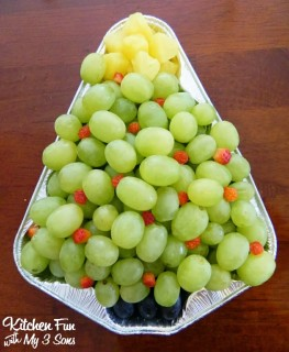 Christmas fruit tree made with grapes!
