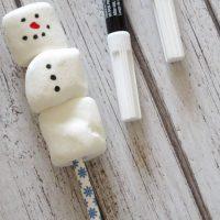 Easy Snowman Marshmallow Pops
