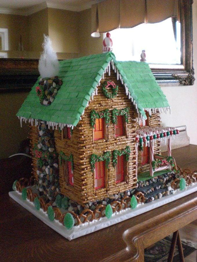 Pretzel Log Christmas Cabin