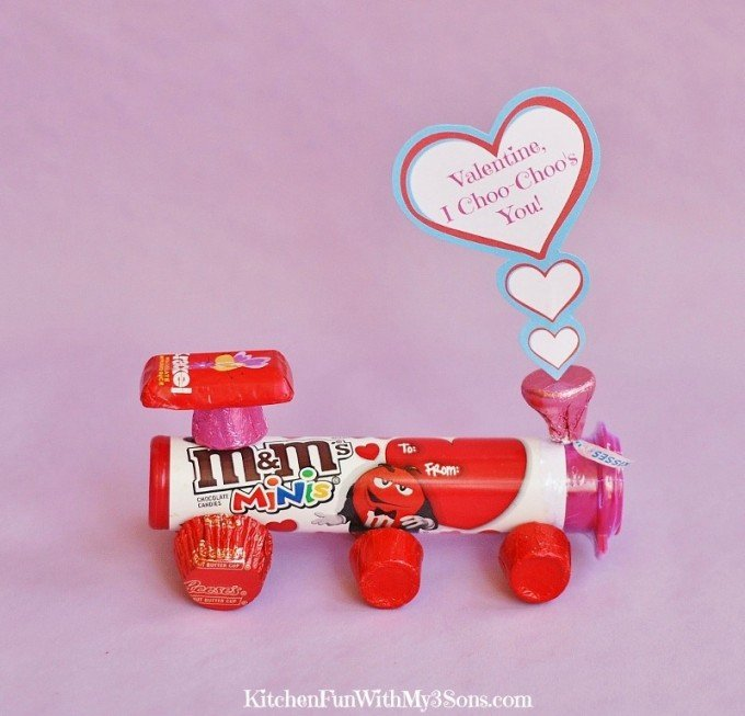 Valentine's Day Hershey Candy Choo-Choo Train with a Free Printable from KitchenFunWithMy3Sons.com