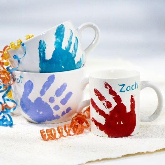 DIY Handprint Mug...would make a great gift for Mother's Day, Father's Day, or Grandparents!