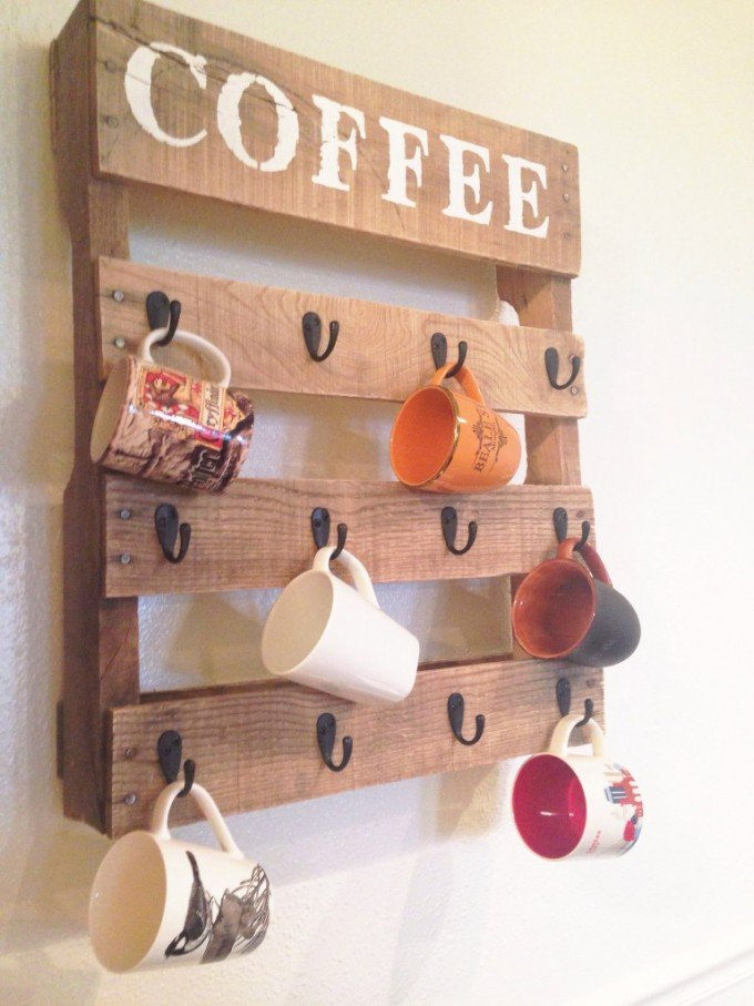 DIY Pallet Wood Coffee Mug Holder
