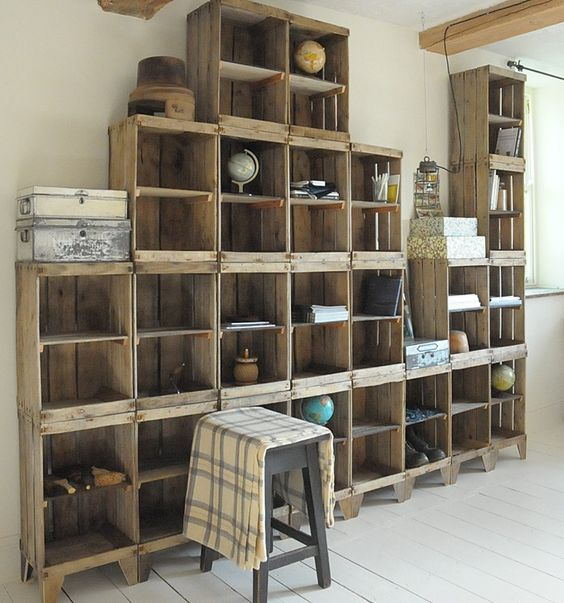 Attrayant Build A Shelving Unit With A Wall Of Old Crates!