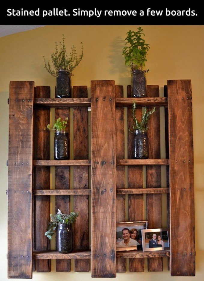 DIY Stained Pallet Shelf