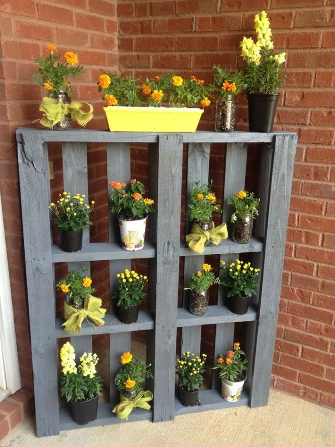 DIY Pallet Plant Shelf