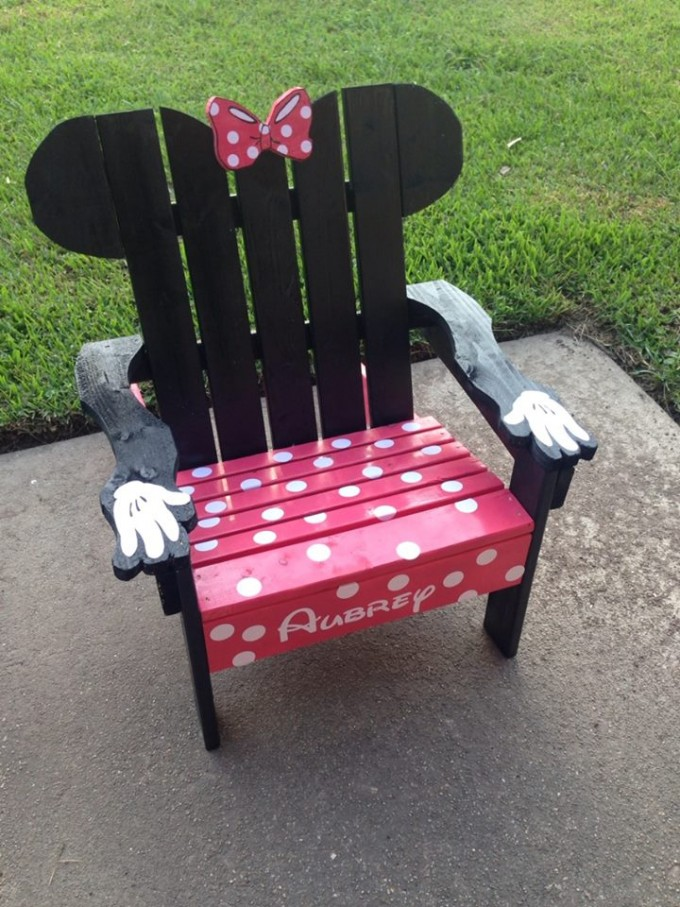 DIY Minnie Mouse Adirondack Chair