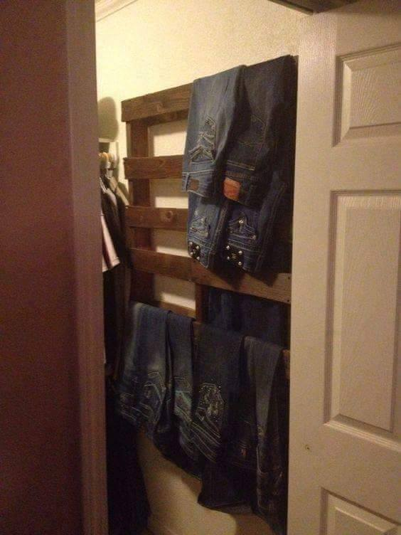 Hang Jeans in the Closet using a Pallet...such a great idea!