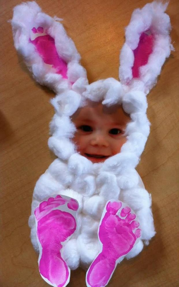 Footprint Easter Bunny Photo Craft...so cute!