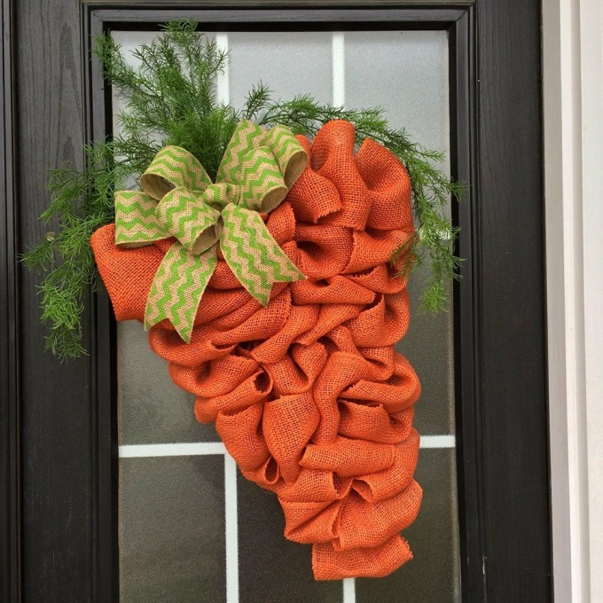 Burlap Carrot Wreath for Spring!