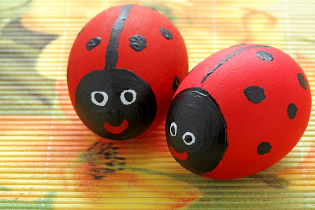 http://kitchenfunwithmy3sons.com/wp-content/uploads/2016/02/the-best-easter-egg-ideas-5.jpg