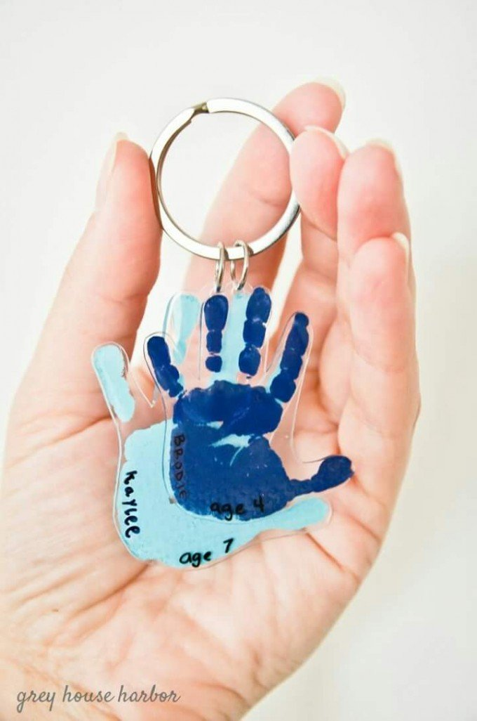DIY Handprint Keychains....these are the BEST Hand & Footprint Ideas!
