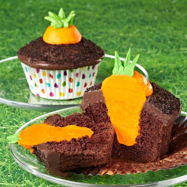Garden Carrot Cupcakes for Spring / Easter...so cute!
