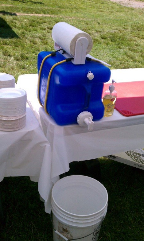 DIY Hand Washing Station for Camping!