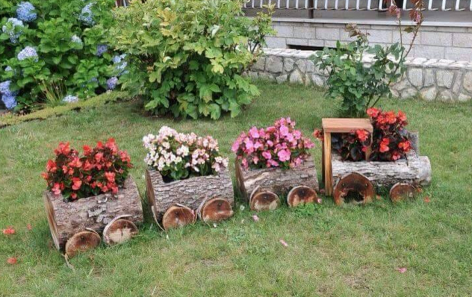 Incroyable Log Train Planters...these Are The BEST Garden Ideas!