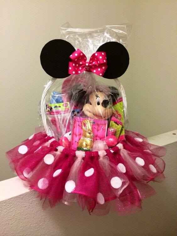 Minnie Mouse Easter Basket...these are the BEST Mickey Mouse Ideas!