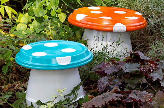 Diy Gardening Ideas diy concrete garden hands Garden Clay Pot Painted Mushrooms