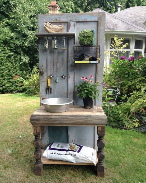 Turn an Old Wooden Door & Table into a Potting Bench...these are the BEST Garden & DIY Yard Ideas!
