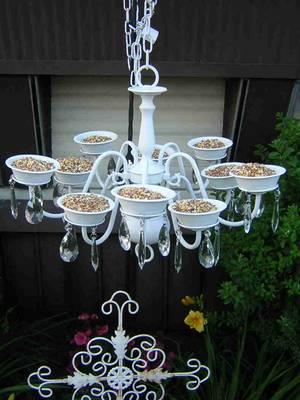 Turn an Old Chandelier into a Bird Feeder....these are the BEST Garden & DIY Yard Ideas!