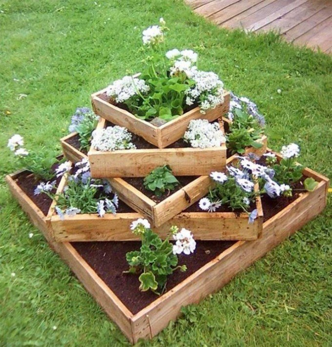 Reclaimed Pallet Planter...these are the BEST Garden & DIY Yard Ideas!