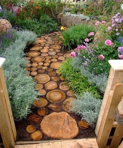 Tree Stump Garden...these are the BEST DIY Garden & Yard ideas!