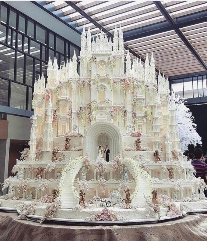 Wedding Castle Cake...these are the BEST Cake Ideas!