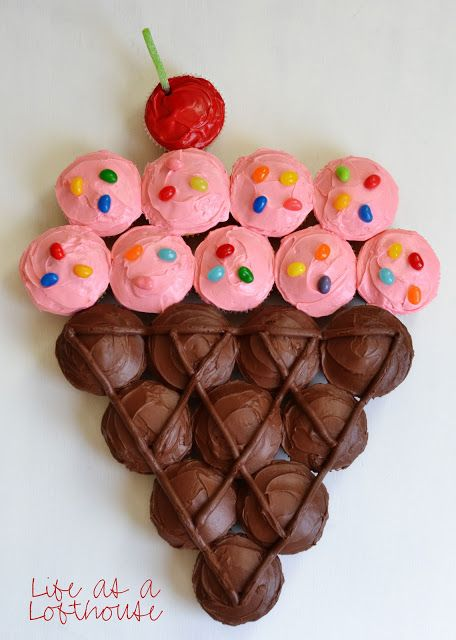 Ice Cream Pull-Apart Cupcake Cake