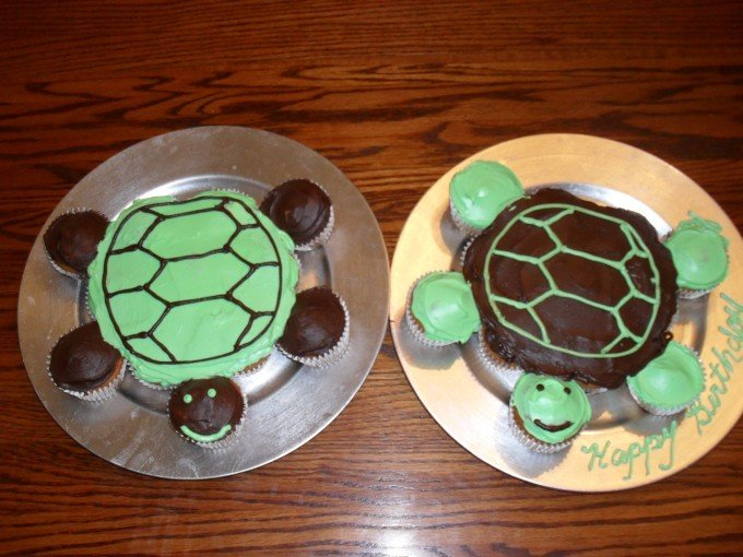 Turtle Cupcake Cakes....these are the BEST Pull-Apart Cake Ideas!