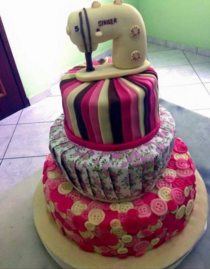 Sewing Machine Cake