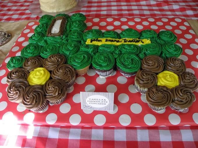 John Deere Tractor Pull-Apart Cake...these are the BEST Cupcake Cake ideas!