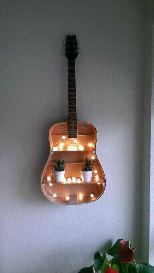 Turn an OLD GUITAR into a HANGING WALL SHELF....these are awesome Upcycled & Repurposed ideas!