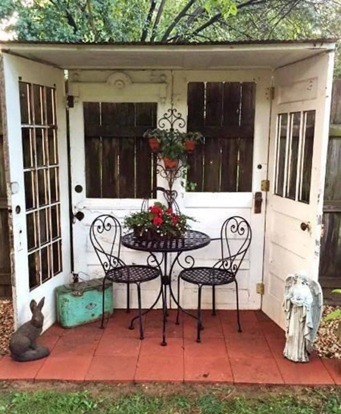 Use 4 Old Doors To Make An Outside Reading Nook Patio
