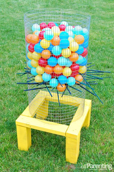 DIY Ker-Plunk Game...these are the BEST Backyard Game ideas for Kids & Adults