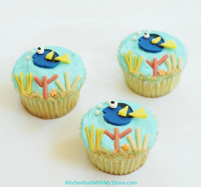 play kitchen ideas html with Easy Finding Dory Cupcakes on 6d59e87176222f70 further Ikea Kura Minecraft Decor Bed Hack in addition Easy Finding Dory Cupcakes furthermore How To Make A Whirlygig furthermore Flisat Childrens Table Mod.