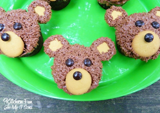 Camping Bear Cupcakes...these are the BEST Cupcake Ideas!