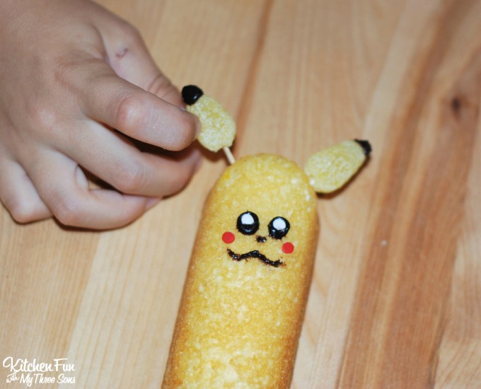 Pikachu Pokemon Twinkie Treats ....such a fun & easy idea for a Pokemon Party!